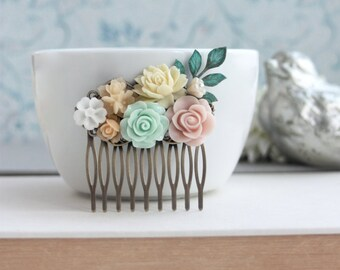 Mint Green Rose, Pink, Ivory, Pearl Collage Flower Hair Comb. Bridesmaid Gift. Pink and Mint Wedding. Bridal Wedding. Summer Weddings. Sis