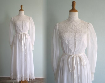 Gorgeous 80s White Cotton Lawn Dress with Cluny Lace Trim - Vintage Edwardian Style White Wedding Dress - Vintage 1980s Wedding Dress XS S