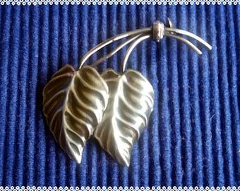 Vintage finnish  solid silver leaves brooch