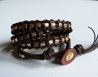 Bracelet cuff 4 towers in leather and pearls