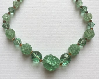 Vintage Art Deco Faceted and Rough Surface Green Glass Stone Ball Shaped Graduated Beads Necklace 1930s Costume Jewelry