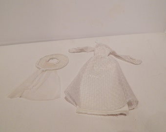 Vintage Barbie Get Ups N Go Bride In White, A Lovely Sight #2300 Mattel 1978
