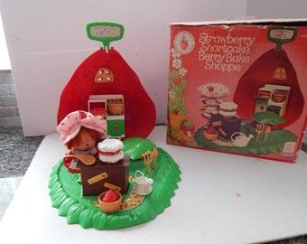 Vintage Strawberry Shortcake Berry Bake Shoppe and Strawberry Shortcake Doll Kenner 1980s