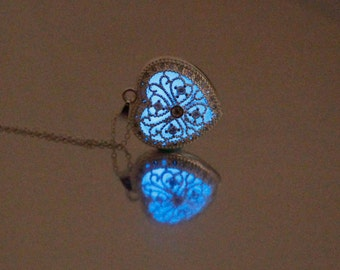 Heart Shape Blossom Glowing Neckalce,Silver Plated Jewelry,Aquamarine Glow Color,18 Inches,Gifts