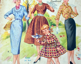 Vintage, Australian Home Journal, April 1st 1958, Papper pattern included. dress patterns.