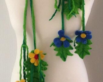 Necklace Felted, Merino Wool, Bespok