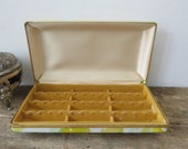 Vintage 1970s Mele Stud Earring Jewelry Box Storage Organizer Travel Case Floral Vinyl Yellow Green Gold