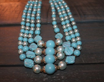 Vintage Beaded Blue and White Necklace - Costume Jewelry