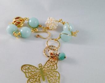 Butterflie bracelet, jade bracelet, goldfilled 18K, handmade bracelet, pearl,gold bangle