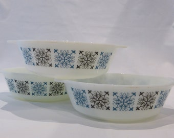 JAJ Pyrex 3 casserole dishes  - Chelsea pattern - original from the 1960's