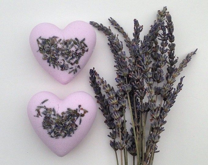 Bath Bomb Lavender, Soothing, With lavender buds