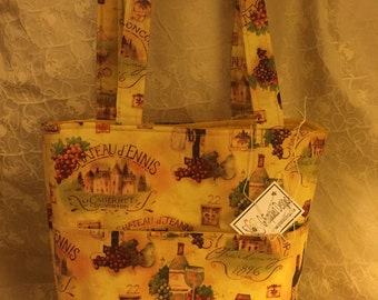 Wine Grapes on the Go Tote Bag