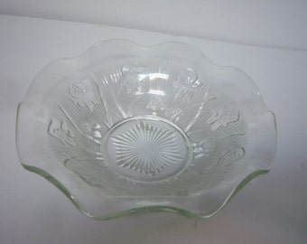 Vintage Iris and Herringbone, Clear Glass Serving Bowl, By Jeanette Glass, 1930, Few Use Marks, Good Clean Condition, Retro Kitchen Item