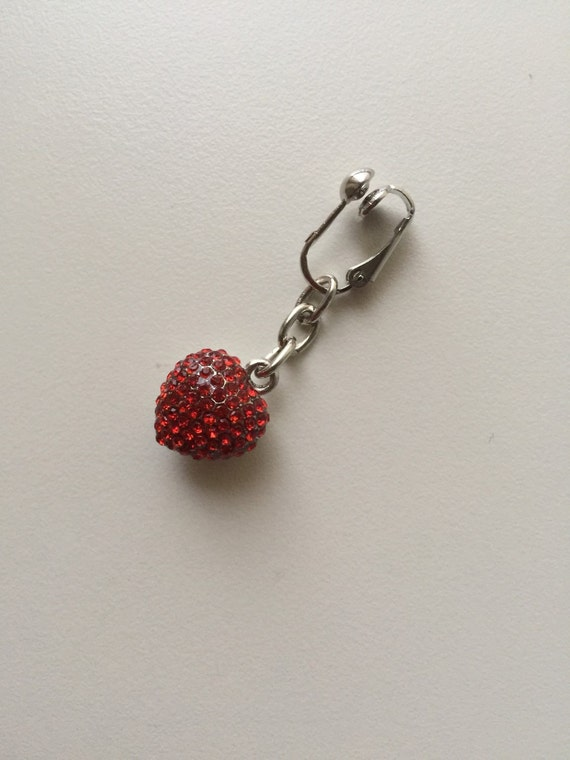 Non piercing clit clip red crystal love heart by for Non piercing clitoral jewelry