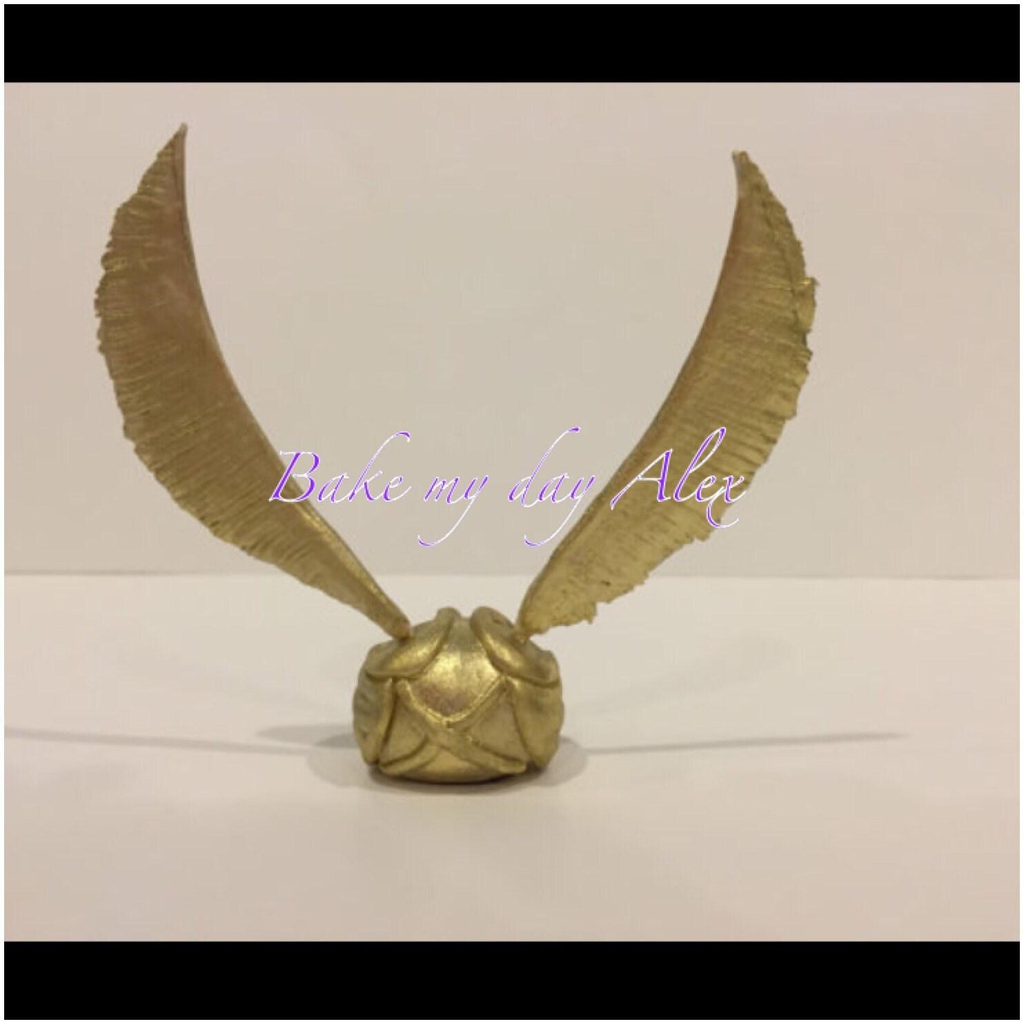 Golden Snitch Cake Decoration