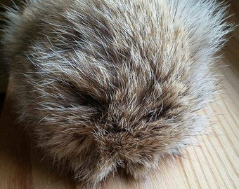 Wolf recycled fur - Recycled wolf pompom