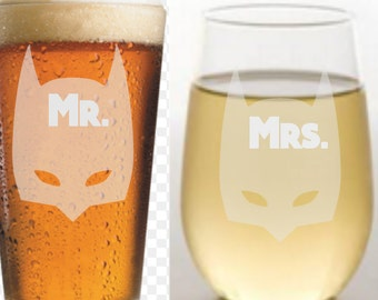 ENGRAVED PERMANENTLY ETCHED Mr.and Mrs. Batman Glass Beer, Wine, StemlesssEngagement gift, personlized, custom, Wedding gift