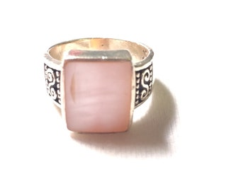 925 sterling silver ring with Pink gem