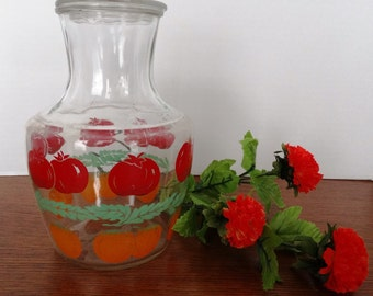 Fantastic Anchor Hocking Juice Decanter with Cover