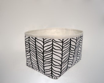 Small storage basket / Fabric storage basket / Black and white storage bin / Panier