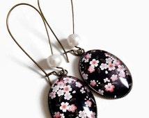 Earrings * pink flowers * paper washi cherry blossom * sakura pink black Japan, cabochon glass