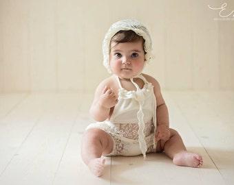 Newborn girl romper, 0-1 months
