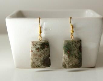 hanging gemstone earrings, green hanging earrings, dangly earrings, green stone earrings, necklace and earring set, beaded earrings