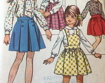 Vintage 60s Girls Skirt and Blouse -Simplicity 81203 Pattern - Pleated Skirt - Girl Size 8