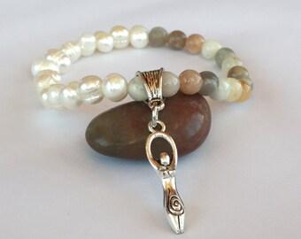 Fertility Moonstone,Goddess Pearl Beads,Goddess of the fertility,Female Divinity,Queen Venus Fertility,Woman Charm,Goddess Moonstone,White