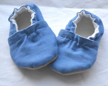 royal blue soft shoes for baby Blue baby shoes Newborn blue clothing Baby boy shoes Baby girl shoes Blue baby slippers Blue toddler shoes
