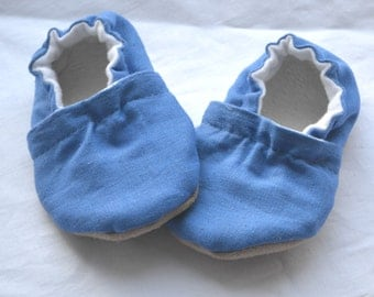 Dark blue soft shoes for baby Blue baby shoes Newborn blue clothing Baby boy shoes Baby girl shoes Blue baby slippers Blue toddler shoes