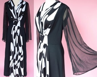 Vintage 70s Maxi Dress, Black and White Disco // Bell Sleeves, 1970s Costume, Party Dress, Women Size Small, Medium