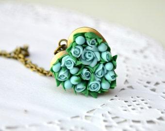 Heart locket necklace. Mint turquoise roses flower locket necklace pendant. Vintage locket. Flower locket. Photo locket. Roses jewelry