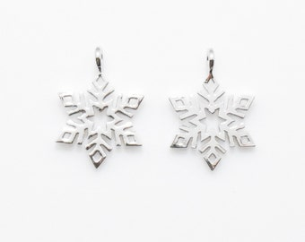 Snowflake Pendant . Snowflake Charm . Winter Pendant . Polished Rhodium Plated over Brass - 2pcs / IA0084-PR