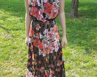 Multi-Color Lace Sleeveless Dress