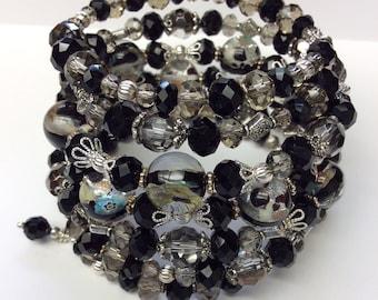 Black Silver Bead Bracelet, Murano Glass beaded Bracelet, Crystal Wire Wrap, Black Beaded Bracelets, Silver Jewellry, Memory Wire Bracelet