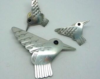 Vintage JJ Silver tone Humming bird brooch and pierced earings