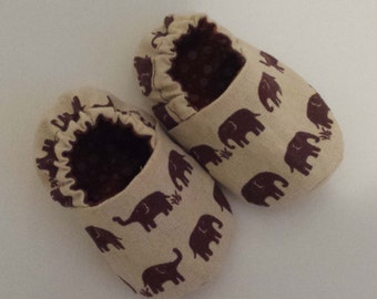 Baby shoes brown elephant pram crib shoes slippers newborn toddler baby shoe gift, baby shoes, baby booties, baby elephant booties