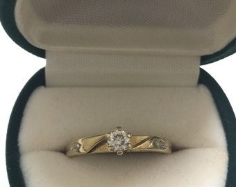 Vintage Diamond Ring in 18ct Yellow Gold with valuation