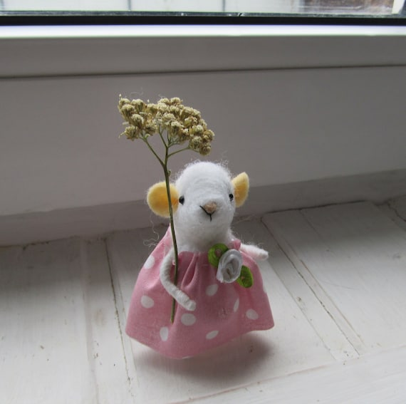 Mouse-little girl, Little girl in pink, mouse in a dress, a Charming mouse, a Mouse made of wool, hand made