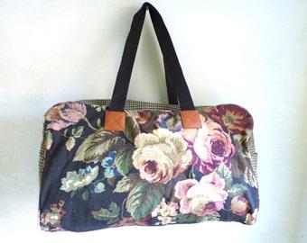 80s floral overnight bag,flower print travel bag, 1980s gabardine canvas bag, carry on overnight bag, houndstooth, brown pink green