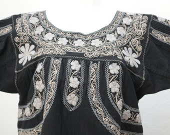 Grey Angula Black embroidery blouse t