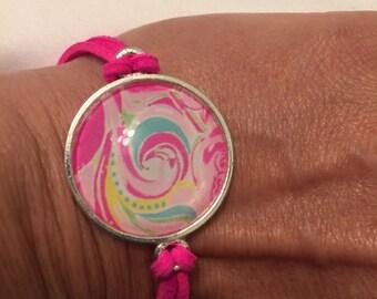 Pattern bracelet, hot pink strap