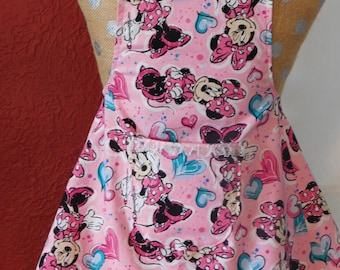 MINNIE MOUSE APRON with hearts - little girls ages 3-7 --