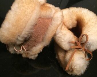 Amazing sheepskin booties/baby leather booties/