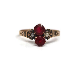 Antique Victorian 10k rose gold red stone and seed pearl ring - size 9