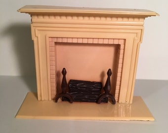 Renwal Ivory Fireplace-vintage plastic Dollhouse Furniture 1:16