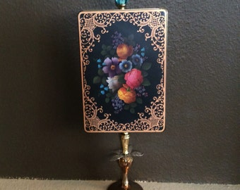 Graphed Flowers Vintage Tin Handmade Dècor