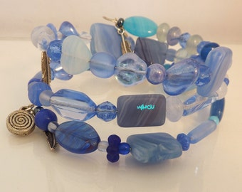 Bracelet with glass beads memory wire