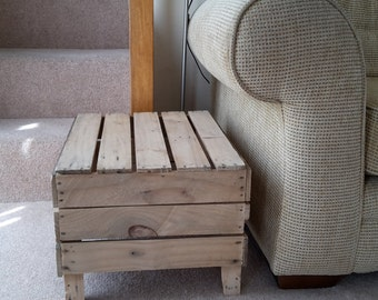 Side End Table, Coffee Table Vintage Apple Crate